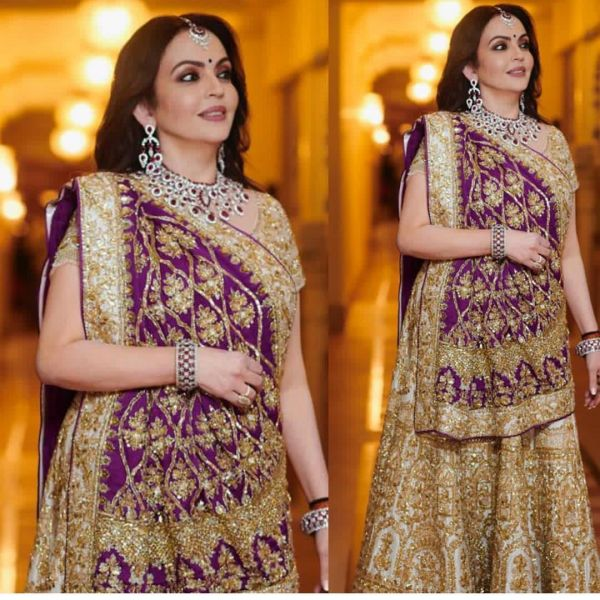 nita-ambani-at-ishas-wedding
