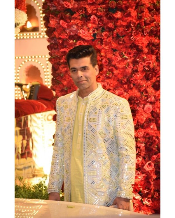 15-Ambani-Wedding-Awards-List-Karan Johar