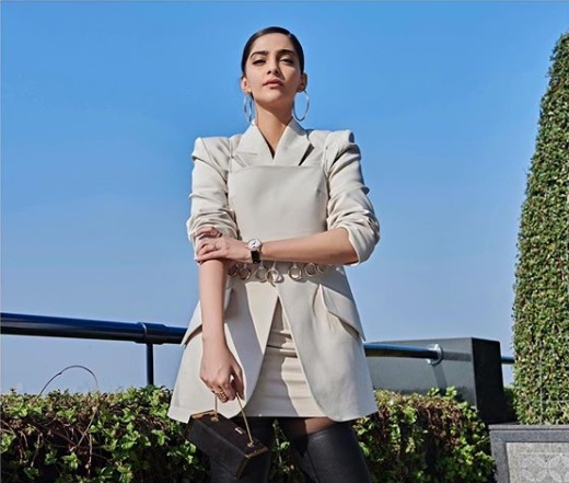 3-Move-Over-Pantsuit-The-Skirt-Suit-Is-Here- -Sonam-Kapoor-Knows-How-To-Rock-It