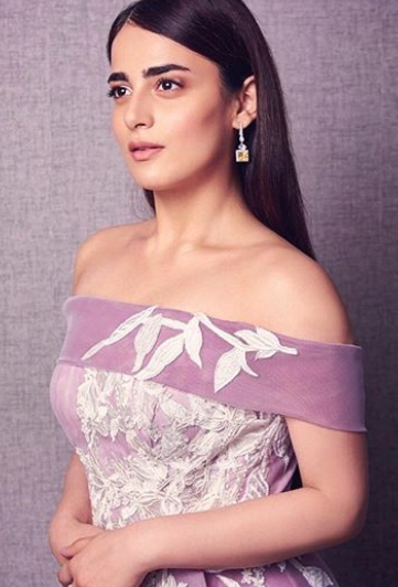 radhika-at-star-awards