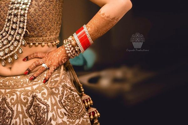 bridal-chooda-designs-traditional-minimal