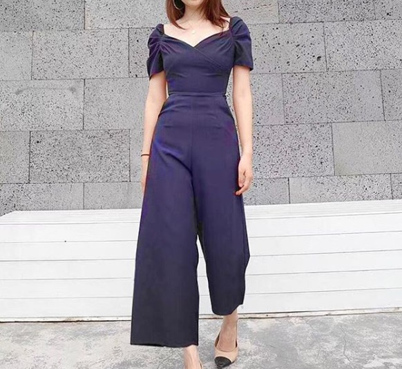 5-How-To-Wear-Jumpsuits-Waist-Defining