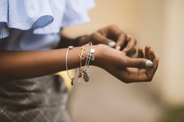 what-to-wear-to-interviews-jewellry