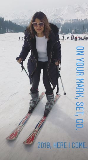 14-jennifer-winget-kashmir-holiday-snow-boarding