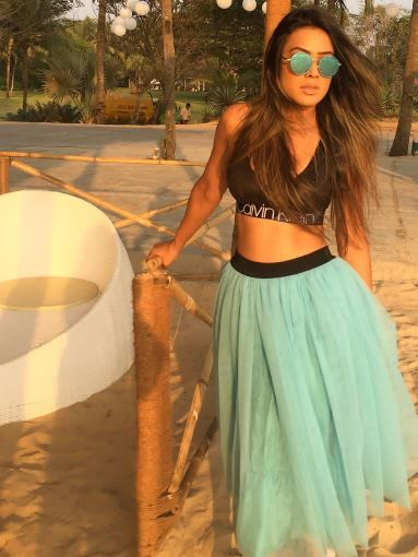 3-nia-sharma-sports-bra-tutu-skirt-goa