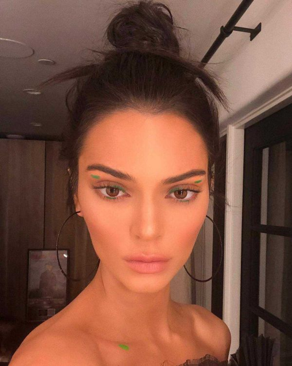 Kendall-Jenner-People's-Choice-Awards-Look