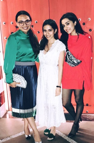 2-No Pants-No Problem-Is-Kangana-Ranaut- -Shradhha-Kapoor's-New-Fashion-Mantra