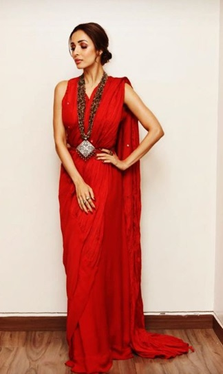 1-ICYMI-Malaika-Arora-Khan-Is-A-Glam-Goddess-In-This-Oh-So-Red-Saree