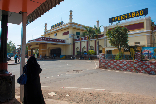 19-things-to-do-in-Hyderabad-train-station