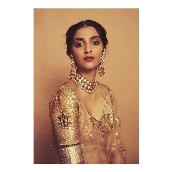 sonam-kapoor-eye-makeup-smokey