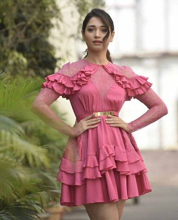 2-tamannaah-bhatia-latest-pic-in-pink-dress