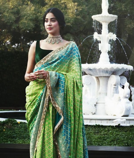4-Stop-Everything-Now-Because-We-Have-The-Perfect-Saree-Types-That-Will-Have-You-Swinging