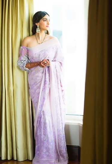7-Stop-Everything-Now-Because-We-Have-The-Perfect-Saree-Types-That-Will-Have-You-Swinging