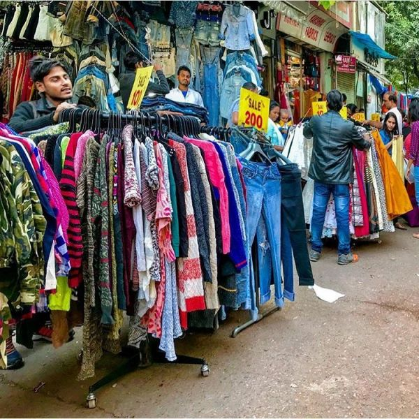 4-sarojini-nagar-market-how-is-sarojini-market-so-cheap