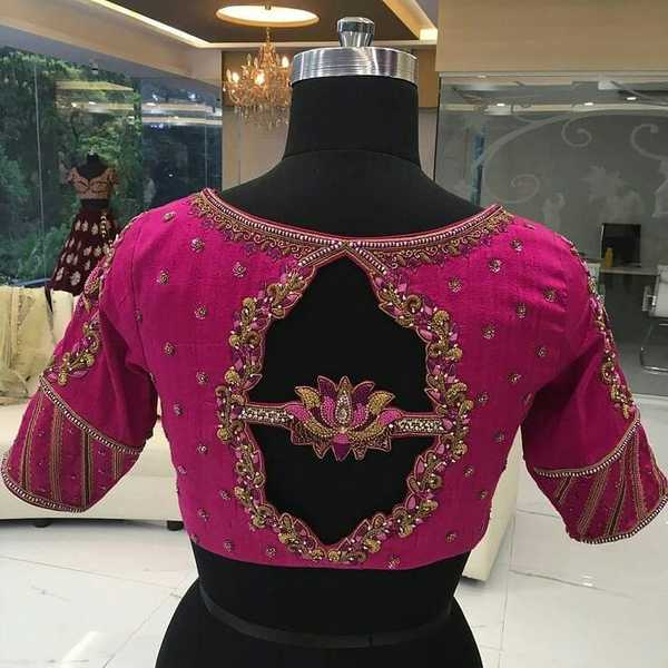 14-flower-cutout-saree-blouse-back-designjpg