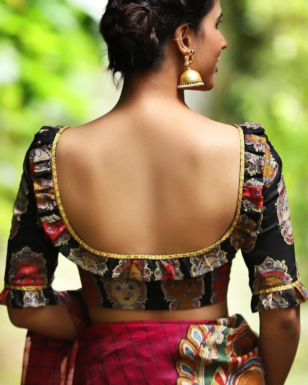 49-square-with-frills-saree-blouse-back-design.