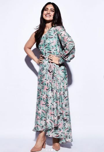 3-bhumi-pednekar-beach-wedding-toga-dress