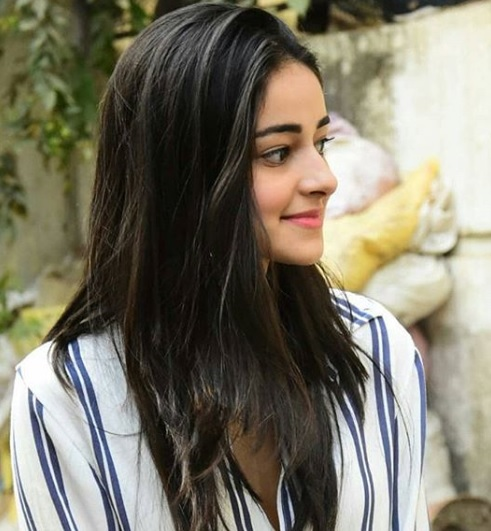 1-Ananya-Pandey-Stepped-Out-In-A-Perfect-Girl-Next-Door-Outfit- And-We-Bet-You-Have-It-In-Your-Wardrobe-Too