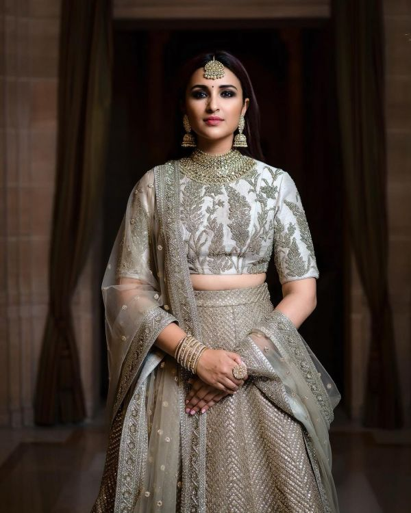 parineeti-chopra-priyanka-chopra-wedding-makeup-look internal 2