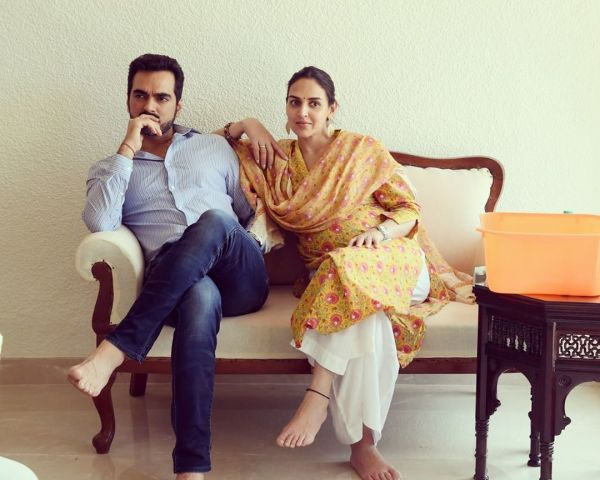 2-esha-deol-with-husband-bharat-takhtani