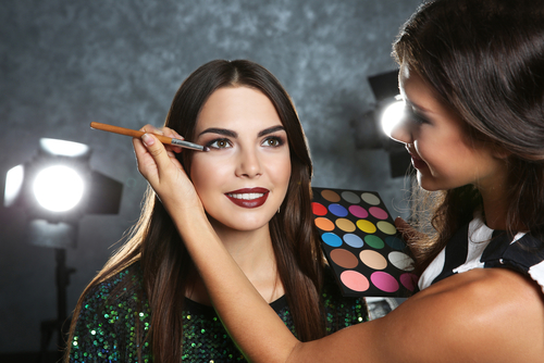 2 beauty industry buzz words and industry terms - makeup artist
