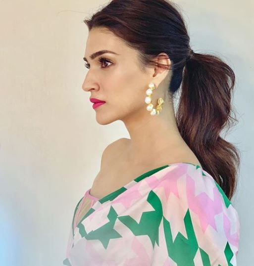 1 Kriti Sanon s Shocking-Pink Matte Wont Do Any Lukka Chuppi