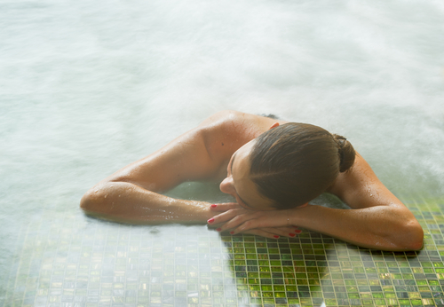1-water-therapy-benefits-medical-treatments-using-water