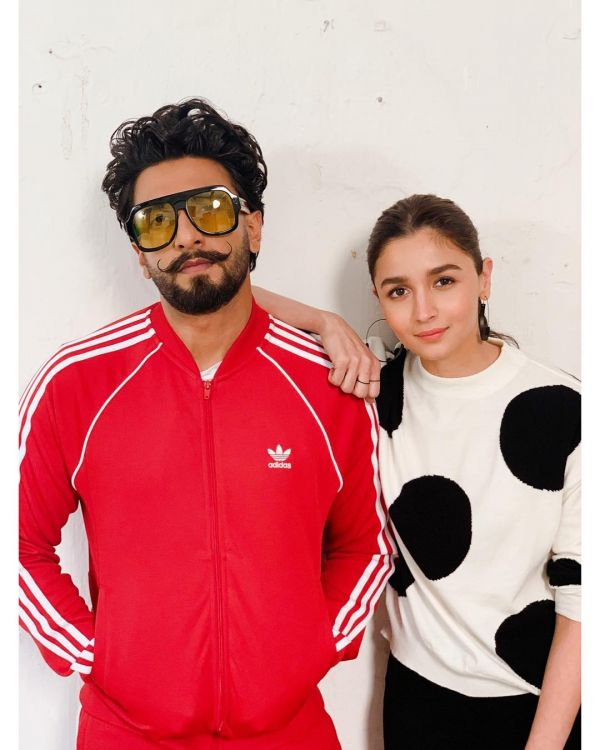 4-alia-ranveer-fashionable-duo-gully-boy-promotions