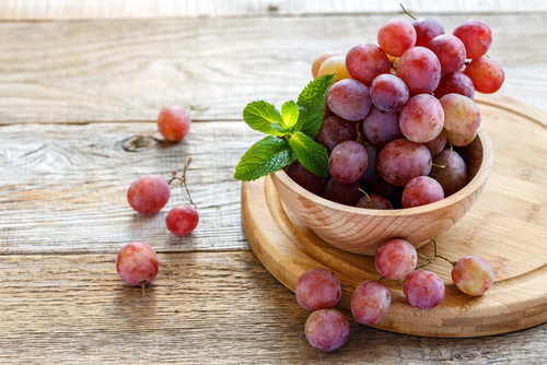 4 Beauty   Health Benefits Of Grapes For Skin And Hair