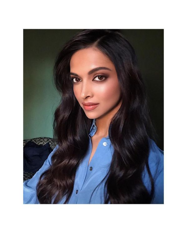 2 Bollywood Actresses Are Bringing Back The Soft Curls In Trend - deepika padukone