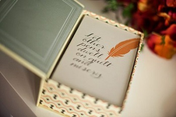 Gifts For Booklovers- goodie box