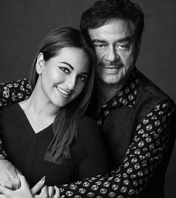 1-Shatrughan-Sinha-With-Daughter