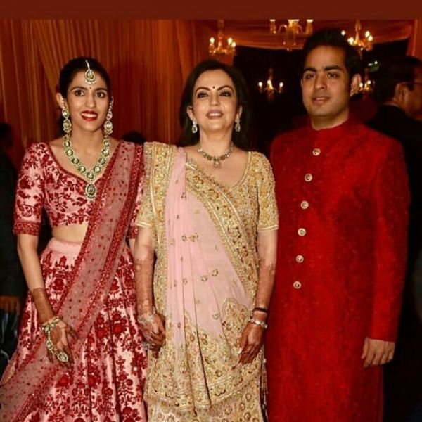 akash-ambani-shloka-mehta-wedding-with-neeta-ambani