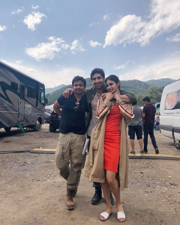 4-mouni-roy-on-set-of-brahmastra