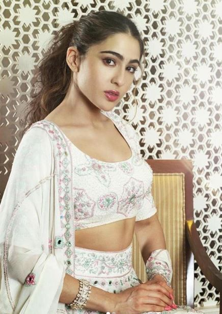 4 Try The Celeb-Approved Date Night Beauty Looks This Valentine's Day - sara ali khan