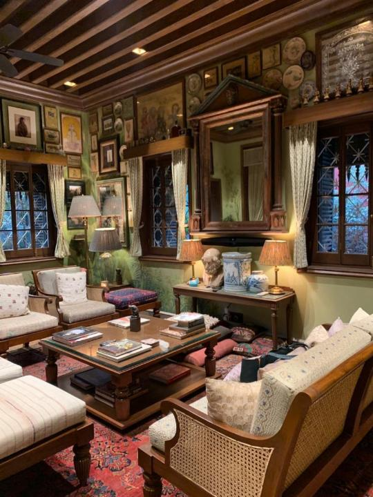 13-sitting-room-sabyasachi-mukherjee-home-interiors