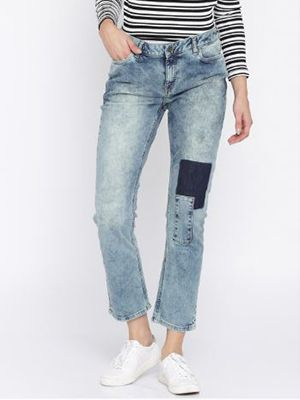 lounge-fit-jeans-for-heavy-thighs