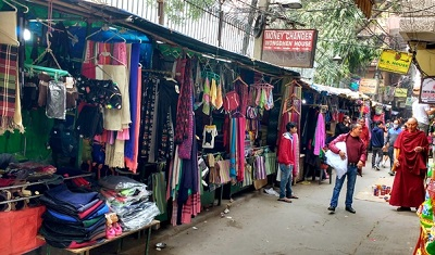 Karol-Bagh-fabric-market-in-delhi