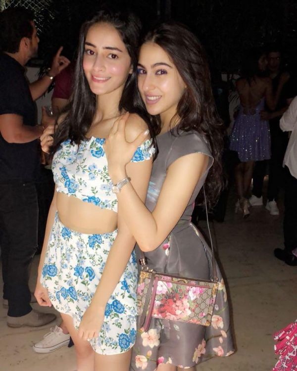 1-ananya-panday-with-sara-ali-khan