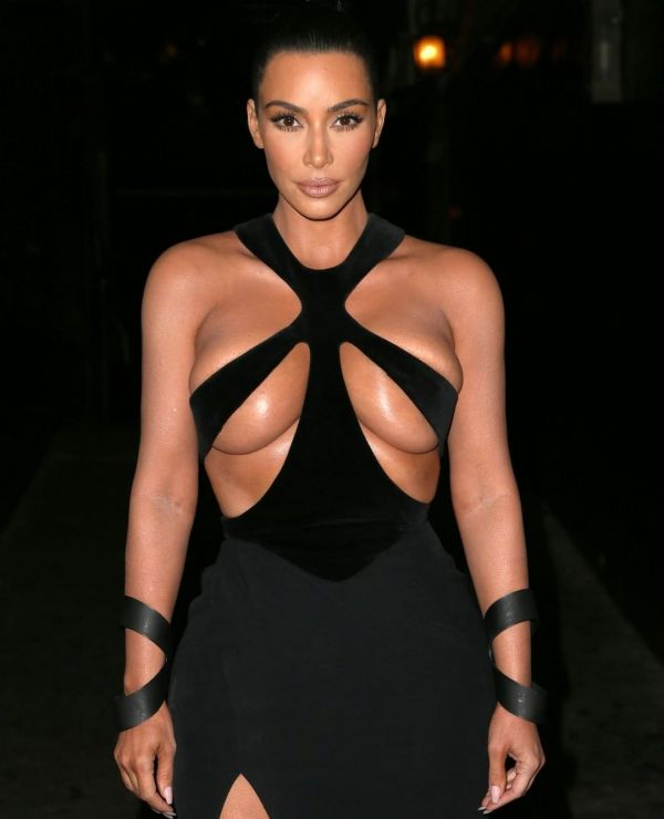 2-Kim-Kardashian-Black-Cutout-Dress