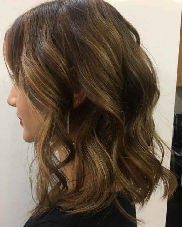 4 Gorgeous Layered Haircuts - shoulder length layered haircut