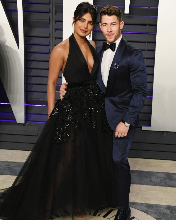 4 Priyanka Chopra Matched Her Eye Makeup To Her Earrings At The Oscars After-Party