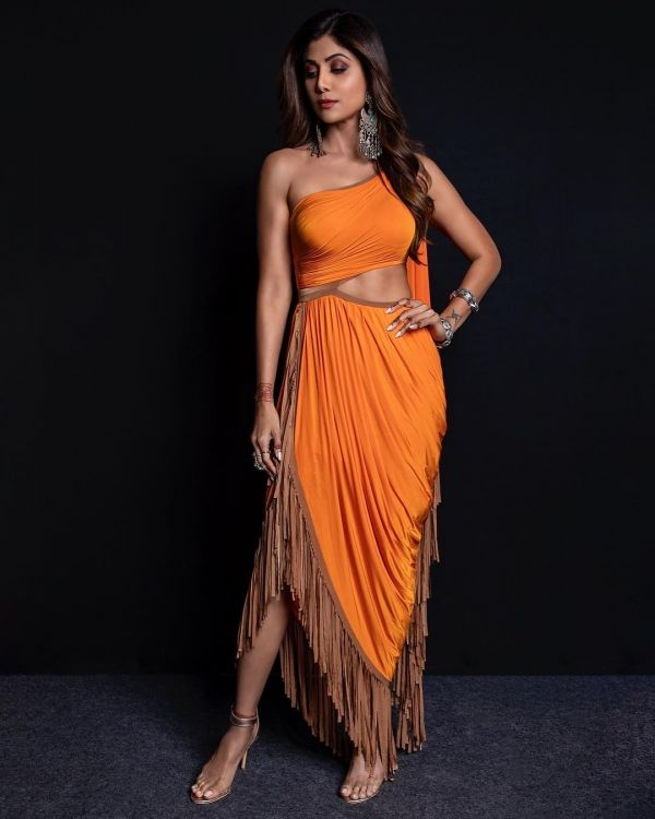 full-shilpa-shetty-orange-party-dress