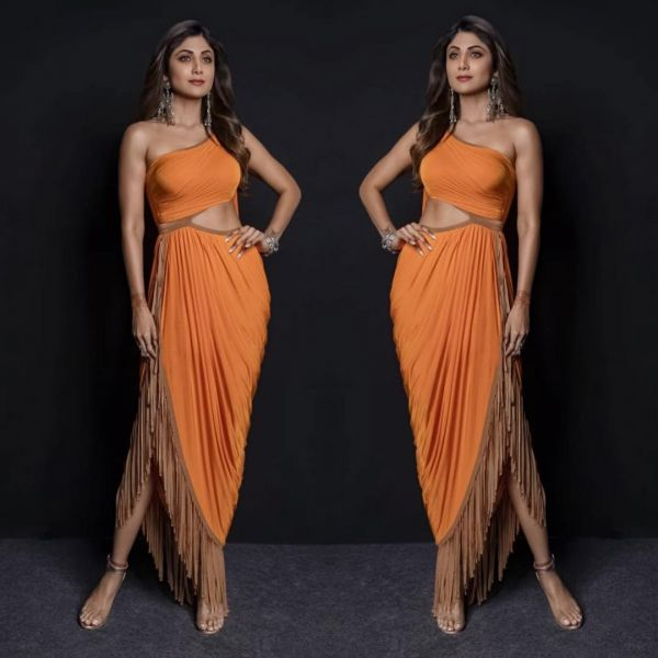 shoes-shilpa-shetty-orange-party-dress