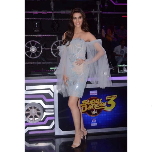 Kriti Sanon Channels Her Inner Elsa- Kriti Sanon full length
