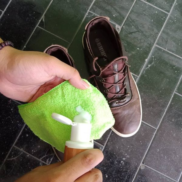 shoes cleaning