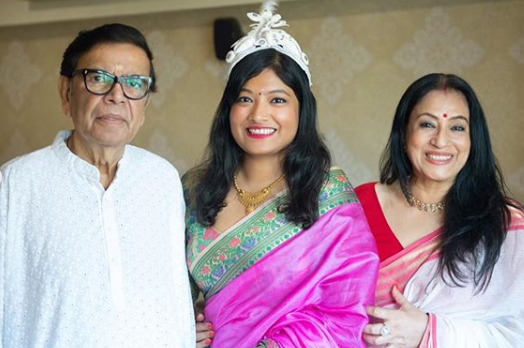 bipasha basu parents and sister