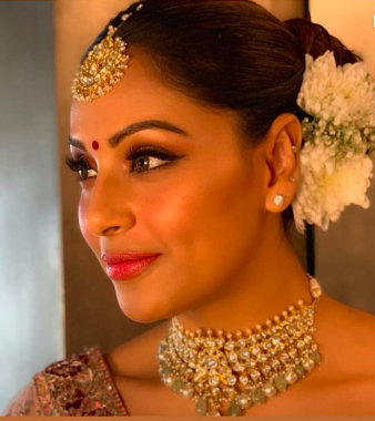 Bipasha-Basu-Sister-Wedding-makeup-look8
