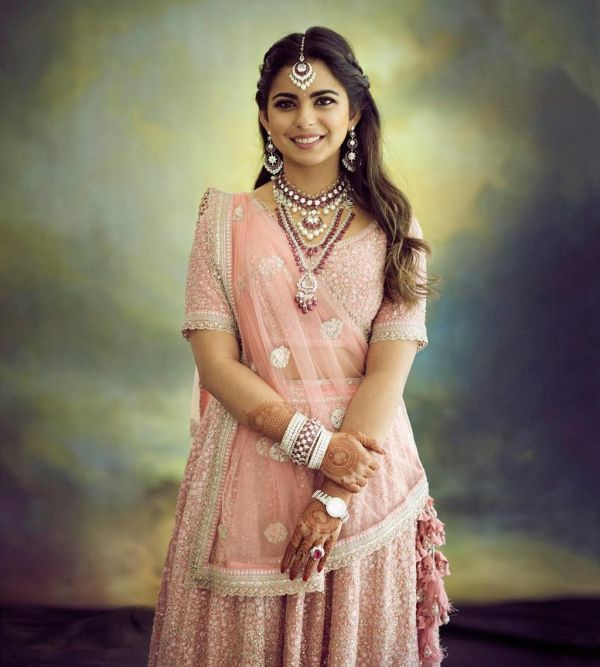 isha-ambani-wedding-look-2