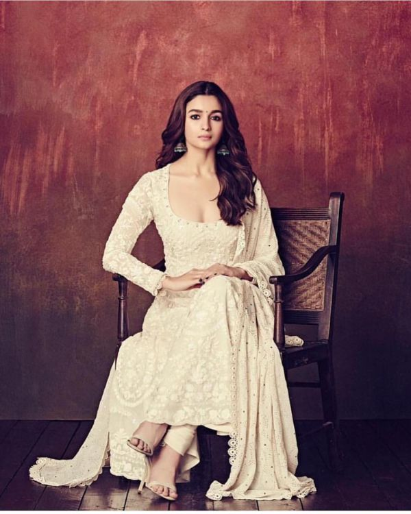 1-alia-bhatt-kalank-teaser-launch-look